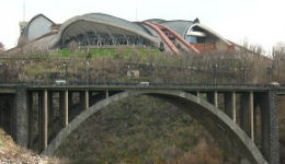 20-ամյա աղջիկը  նետվել Կիևյան կամրջից և տեղում մահացել