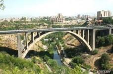 17-ամյա աղջիկը ցած է նետվել Կիևյան կամրջից. Ինքնասպանությունների հոսքը չի կանխվում