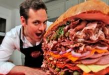 Աշխարհի ամենամսառատ սենդվիչը. (տեսանյութ)