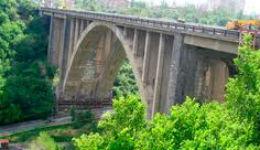 Աղջիկը չէր նետվել Կիևյան կամրջից. նրան սպանել էին