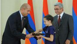 Սերժ Սարգսյանը հյուրընկալել է 2011-2012 ուստարվա մեդալակիր դպրոցականներին