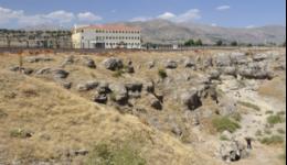 Թուրքական դպրոցի տարածքում սպանված 10 հազար հայերի դիակներ լքված են. Քրիս Բոհջալյան