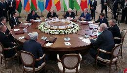 ԵԱՏՄ բարձրագույն խորհրդի նիստում այս անգամ Սերժ Սարգսյանի ելույթը աչքի է ընկել որոշակի նախաձեռնողականությամբ, ագրեսիվությամբ