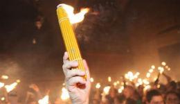 Բարեբեր կրակի «հրաշքի» մասին հայ քահանայի խոստովանությունը Երուսաղեմում սկանդալ է առաջացրել