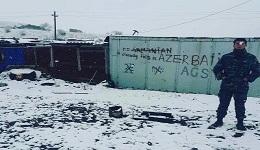 «Ոչ մի հայ». Ամերիկացի լրագրող Լինդսի Սնելն իր կարծխիքն է հայտնել Ղարաբաղում ադրբեջանցի զինվորների գրաֆիտիի մասին