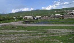 Տեղ գյուղում կոմբայնավարը պատահմամբ հատել է սահմանը. Ադրբեջանցիները նրան առավոտից պատանդ են պահել