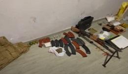 Երևանում մեծաքանակ թմրամիջոց և զինանոց է հայտնաբերվել. Ոստիկանություն (տեսանյութ)